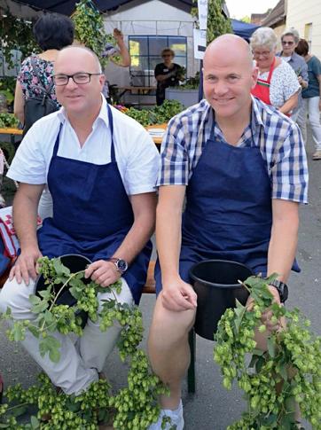 Jens Fankhaenel mit Bernd Eckstein beim Hopfenfest in Speikern